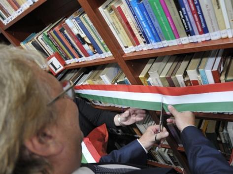 Felavatták az új Wekerlei Könyvtárat